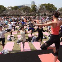 さくら咲く春の気持ちの良い日差しの中で楽しむヨガイベント「Sakura Yoga 2019」